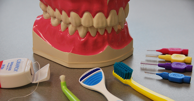 interdental_toothbrush